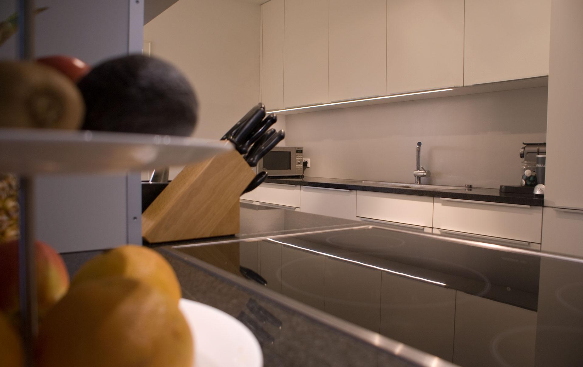 k che in hpl granit von tino skuthan schreinerei und. Black Bedroom Furniture Sets. Home Design Ideas