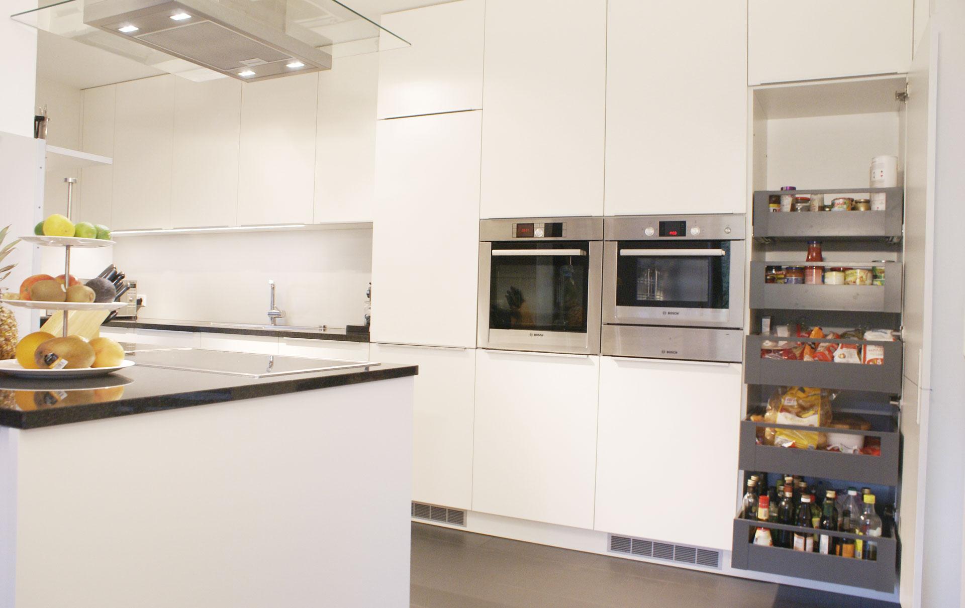 Küche in HPL / Granit von Tino Skuthan, Schreinerei und Planung ...